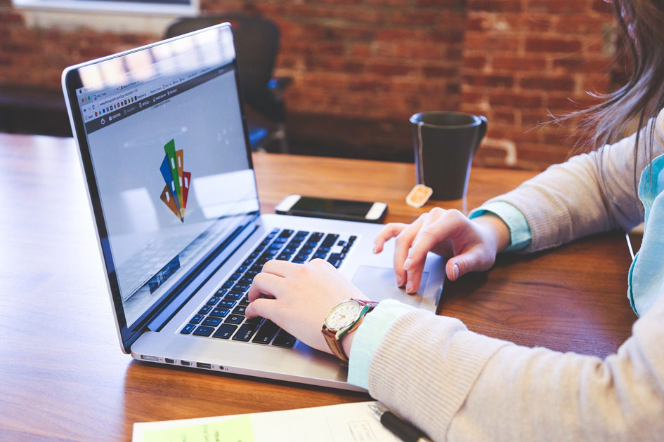 laptopy poleasingowe do pracy zdalnej przez Internet